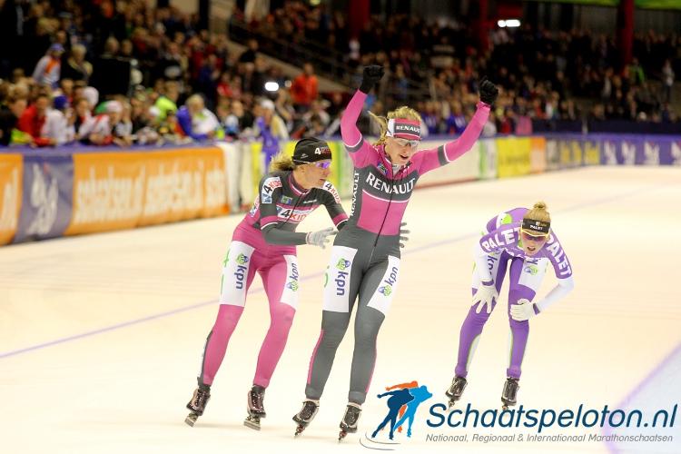 Daniëlle Bekkering deed in 2012 32 minuten en 32 seconden over 60 ronden. Lukt het damespeloton het om vanavond dit record uit de boeken te rijden in Enschede.