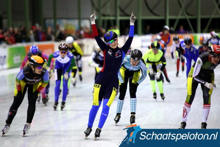 Corina Dijkstra won maandagavond het eindklassement van de Baancompetitie Heerenveen.