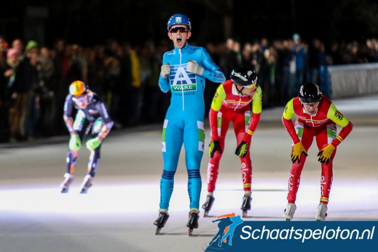 Evert Hoolwerf bejubelt de winst in de 46e Jaap Eden Trofee.