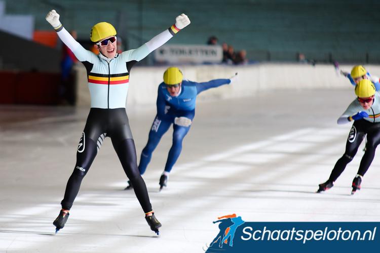 Jonathan Schildermans klopt in de sprint Jordan McMillen en Jarno Schellekens en is Belgisch Kampioen marathonschaatsen.