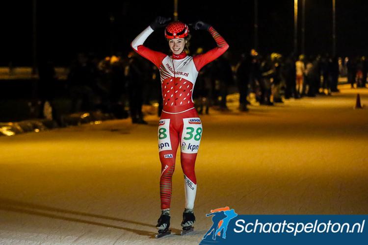 Lisa van der Geest won net als vorig jaar de marathon op Flevonice.