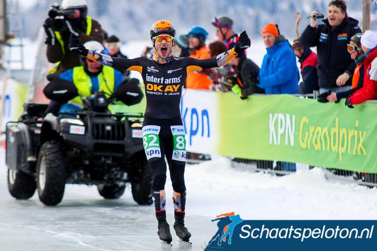 Sjoerd den Hertog wint met de Aart Koopmans Memorial zijn eerste wedstrijd op natuurijs.