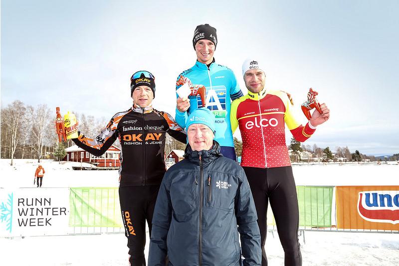 Christian van Dartel voor wat nu blijkt het voorlopig laatste KPN Grand Prixpodium op zijn Runnmeer.