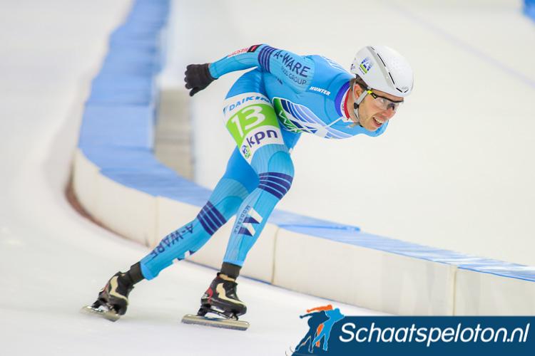 Net als vorige week in Heerenveen won Jorrit Bergsma in Minsk de massastart door solo aan te komen.