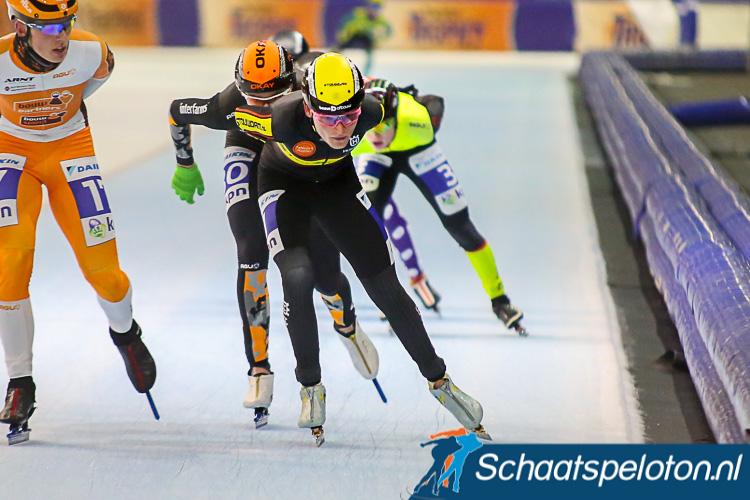 Belofte Luuk Loohuis klopte topdivisierijder Johan Knol in de sprint om de Groningse titel.