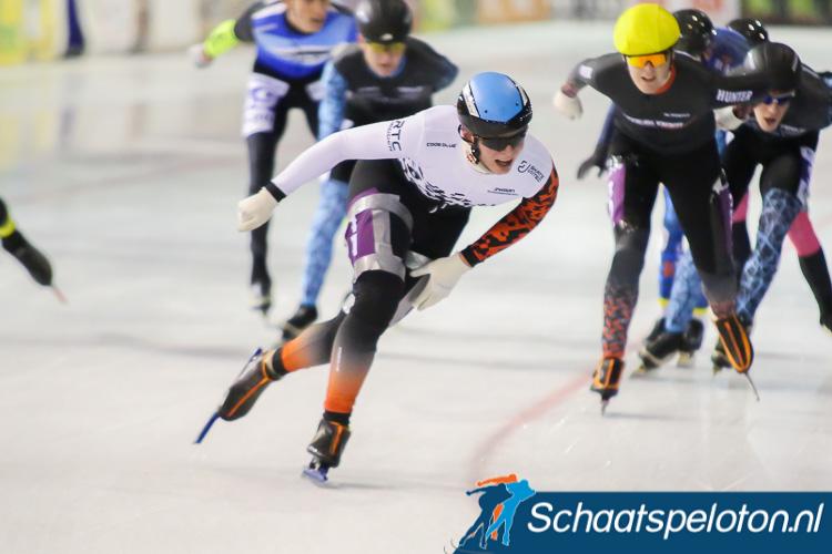 Na eind oktober de openingswedstrijd in Utrecht te hebben gewonnen was de Max Douma in Hoorn Jesse Vollaard en Ruben Stam de baas.