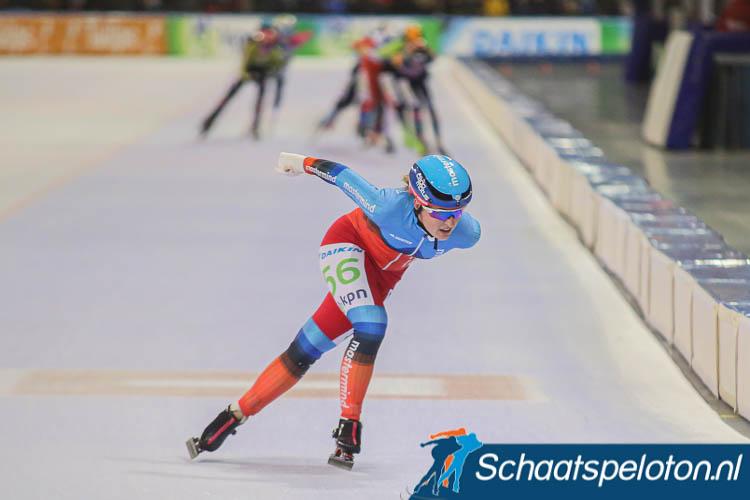 Nicky van Leeuwen leek vorig jaar met een late aanval in Tilburg even naar haar eerste overwinning op kunstijs te rijden.