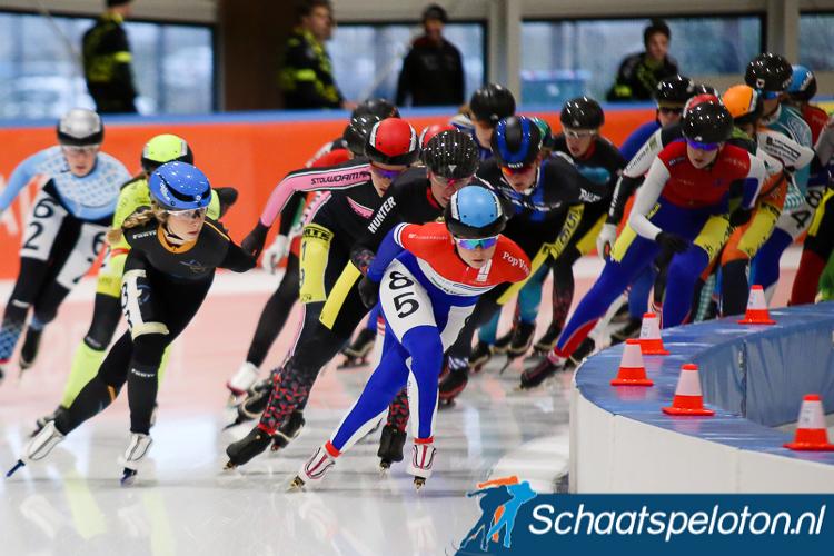 Pien van den Bos (nr. 85) won het 6-Banentoernooi bij de vrouwen.
