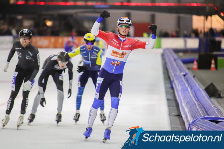 Rémon Vos wint in het rood-wit-blauw.