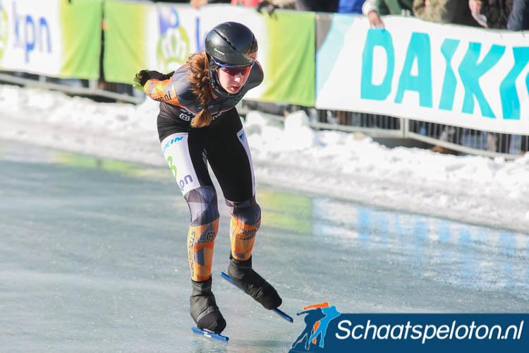 Rixt Hoogland in actie op de Weissensee, volgend seizoen komt zij uit voor Schaatsteamdrenthe.
