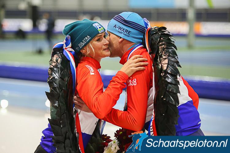 Tussen de 740.000 en de 804.000 kijkers zagen gisteren Irene Schouten en Arjan Stroetinga het NK marathonschaatsen winnen.