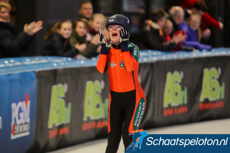 Tessa Botman wordt de Nederlands Kampioen marathonschaatsen voor g-schaatssters.