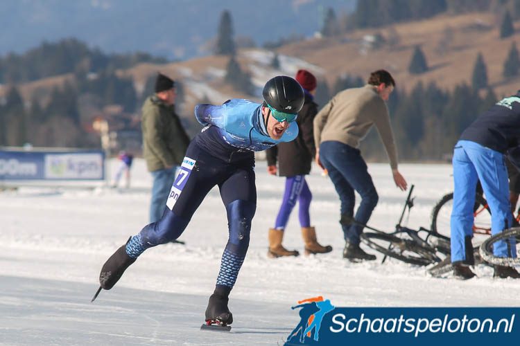 Viktor Toonen rijdt ook volgend seizoen weer voor Arktika.