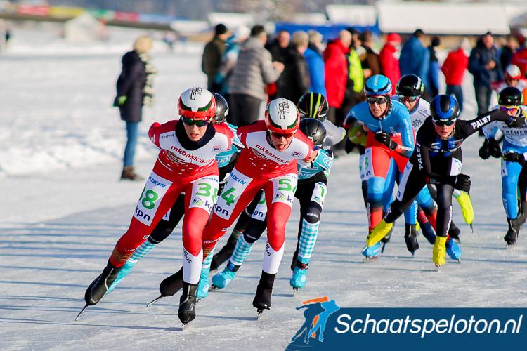 Lisa van der Geest en Iris van der Stelt voeren samen de forcing tijdens het Open NK op de Weissensee.