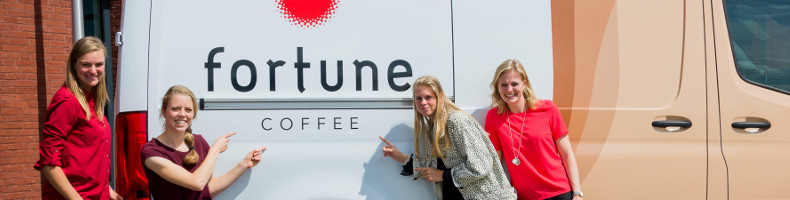 Fortune Coffee brengt nieuwe damesbeloftenploeg op het ijs