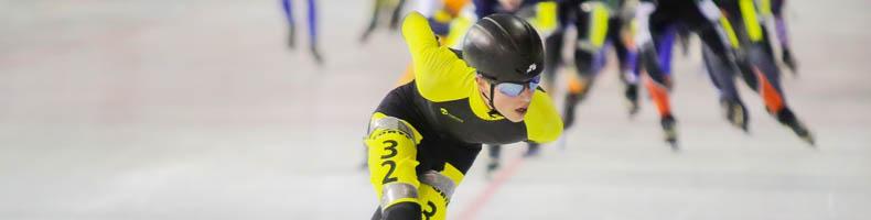 Dubbelslag voor Haarlemmer Jesse Vollaard in 6-Banentoernooi op Haarlems ijs
